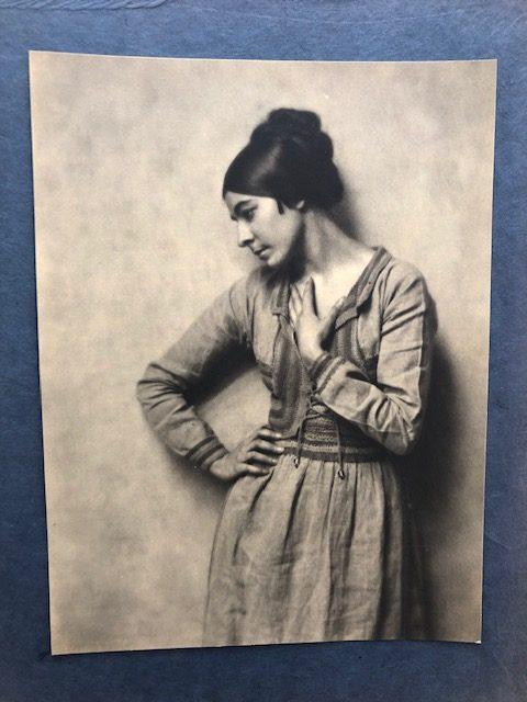 Ilonka Karasz – Modernist Pioneer